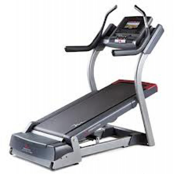 FreeMotion Light Commercial Incline Trainer i7.9
